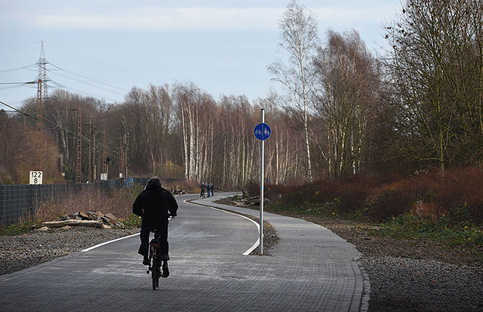 Almanya'dan 100 Kilometrelik Bisiklet Otobanı