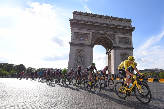 Cycling: 103th Tour de France 2016 / Stage 21 Illustration /Christopher FROOME (GBR) Yellow Leader Jersey/ PARIS City / Landscape / Peloton / Arc De Triomphe / Chantilly - Paris Champs-Elysees (113Km)/ TDF / © Tim De Waele