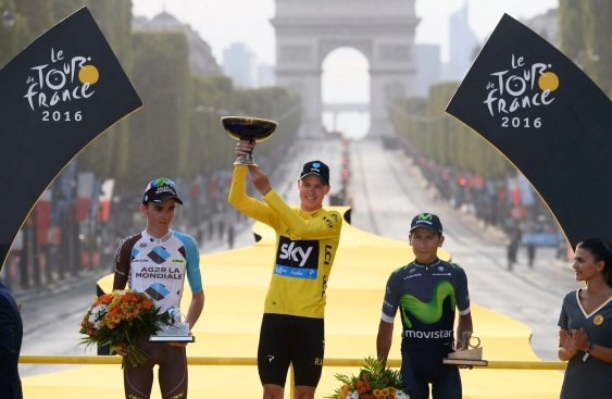 Paris - France - wielrennen - cycling - radsport - cyclisme - Romain Bardet (FRA-AG2R-La Mondiale) - Christopher - Chris Froome (Norway / Team Sky) - Nairo Quintana (COL-Movistar) pictured during stage 21 of the 2016 Tour de France from Chantilly to Paris, 113.00 km - photo Cor Vos © 2016